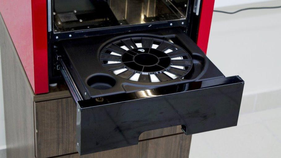 Обзор 3D принтера M3 DUO - первый профессиональный принтер - лоток для катушки полимера