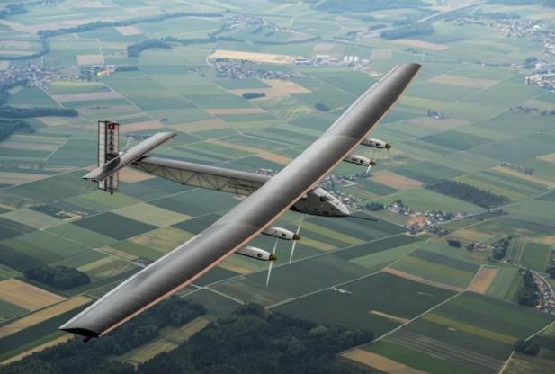 """Самолет """"Solar Impulse 2"""" готовится к началу кругосветного путешествия"""