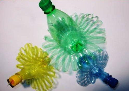 елка из пластиковых бутылок в Боливии