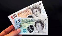 В Англии в скором времени начнут вводить в оборот пластиковые деньги!