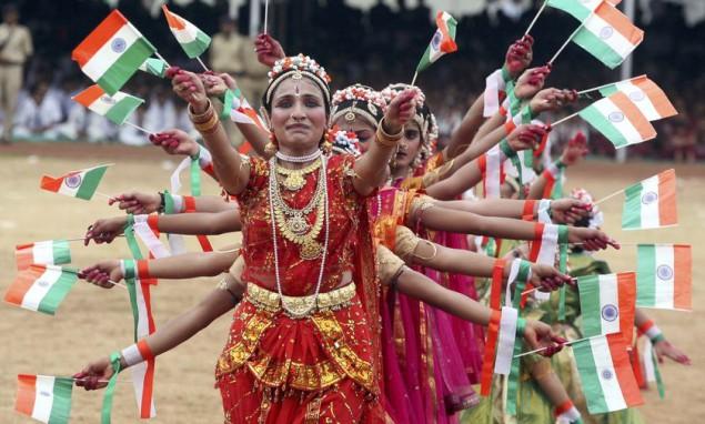 Индийский суд запретил использование национальных флагов из пластика!