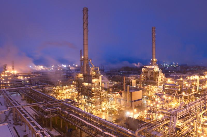 Мозырский НПЗ возобновил поставки топлива в Украину речным транспортом