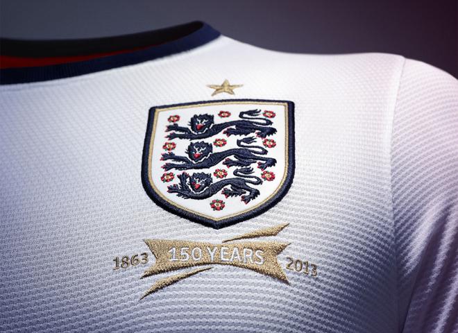 Для сборной Англии по футболу была разработана новая форма из переработанного полиэстера!