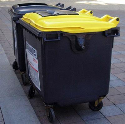 Одесситов призывают сортировать мусор