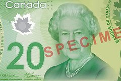 Канада переходит на пластиковые деньги!