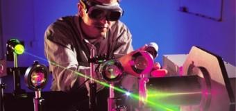 Лазер расскажет о человеке все по одному волоску