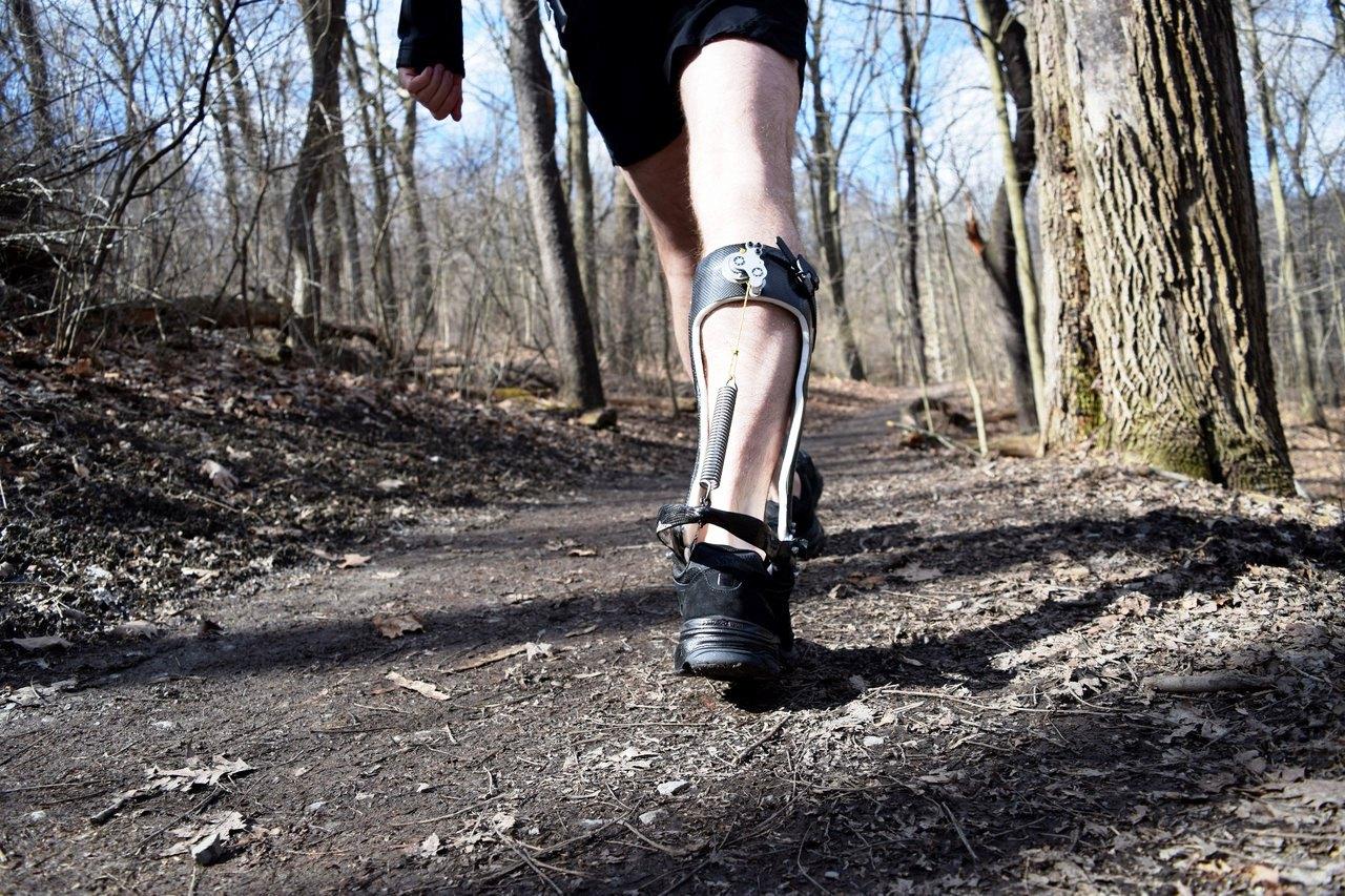 экзоскелет поможет двигаться в гору