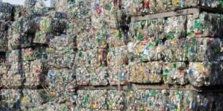 В Израиле появился завод по переработке пластиковых отходов в нефть