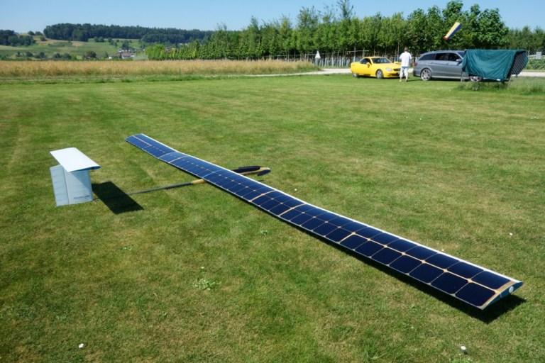 солнечный беспилотник AtlantikSolar на земле