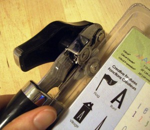 открывалка для пластиковой упаковки