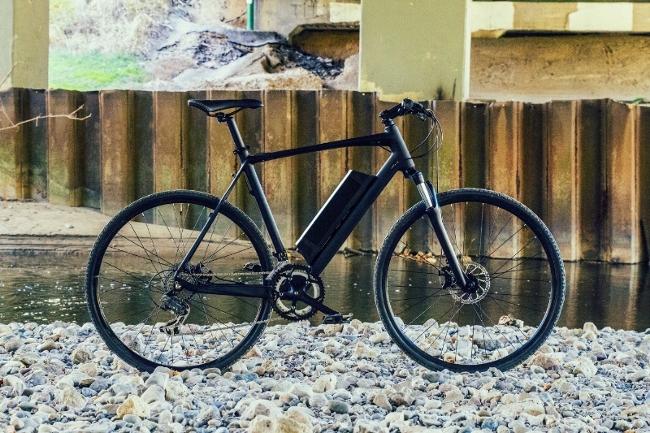 Электрический велосипед Daymak ec1 на реке