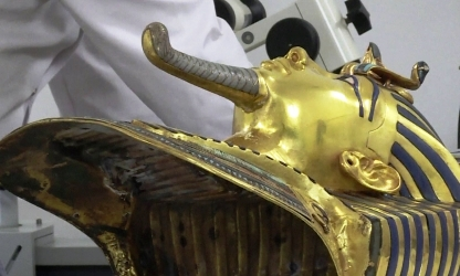 Клей Henkel вошел в историю: спас маску Тутанхамона