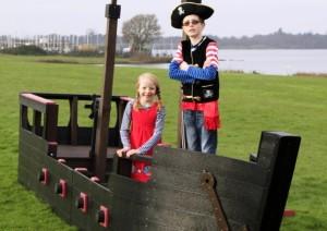 Пиратский галеон из переработанной пластмассы разработан в Англии