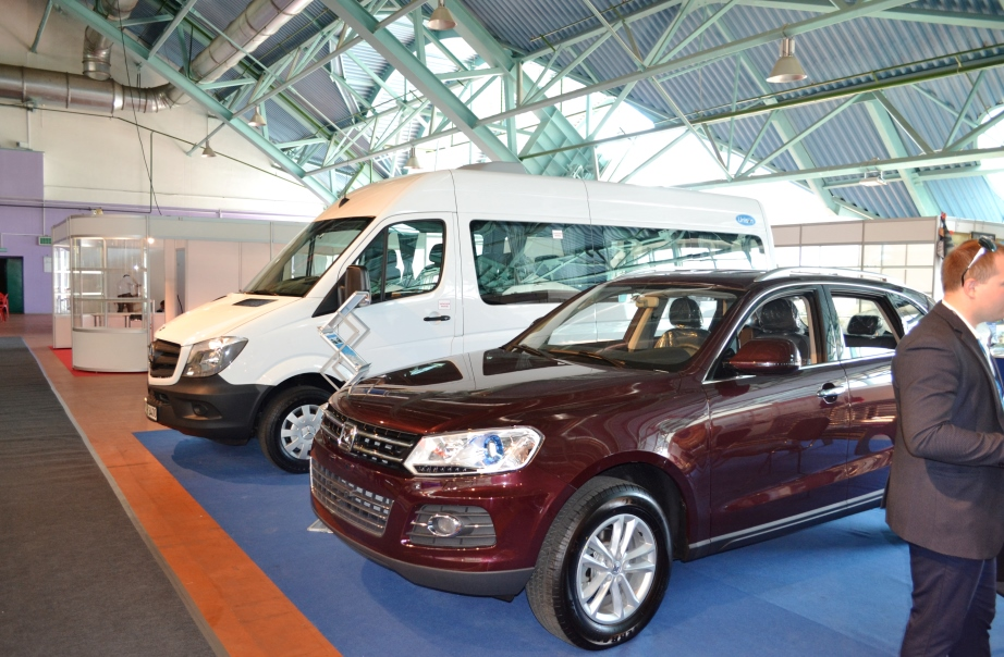Легковые автомобили на Белорусском промышленном форуме 2017, ТехИнноПром и ПЛАСТЕХ