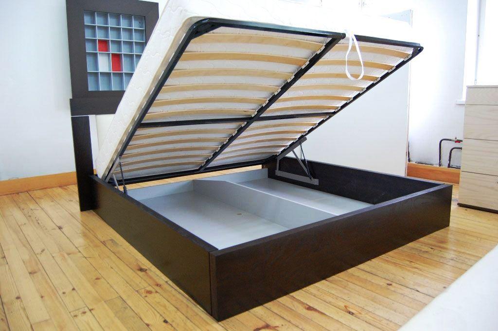 Кровать с подъемным механизмом является очень удобным видов мебели для сна, который с каждым днем набирает все большую и большую популярность среди покупателей