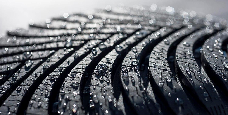 Свое мнение и советы о том каквыбрать летние шины сегодня для наших читателей решил высказать один из поставщиков данной категории автомобильных товаров