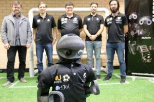 Роботы, напечатанные на 3d-принтере успешно сыграли в футбол (фото и видео)
