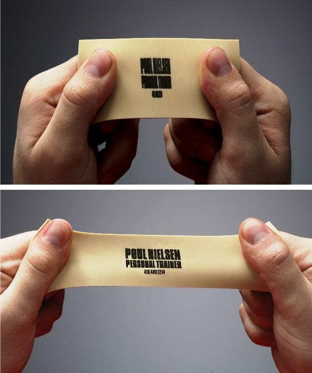 Визитная карточка персонального тренера напечатанная на полимерном материале