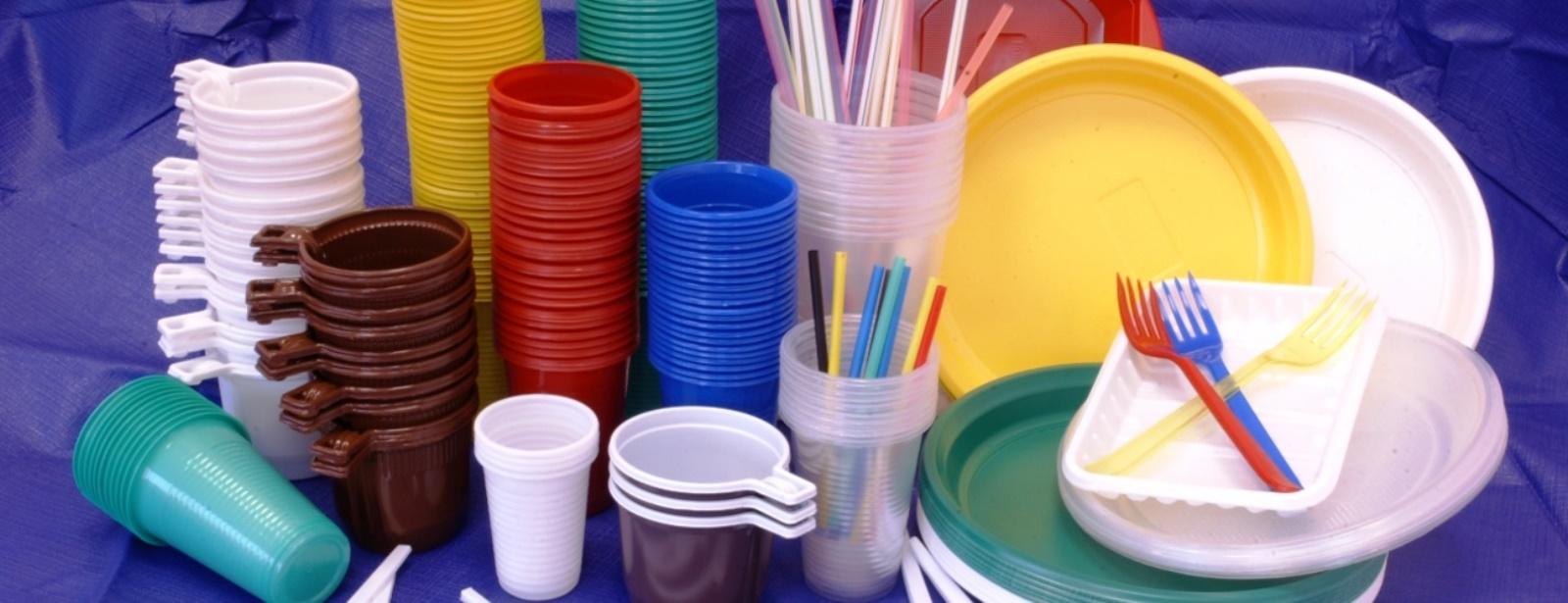 Ошибки в обращении с полимерной тарой и упаковкой для пищевых продуктов - тема этого материала, который мы подготовили совместно с поставщиком профильного оборудования, изделий и материалов