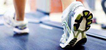 Лайфхак: что сделать, чтобы кроссовки не скользили в зале?