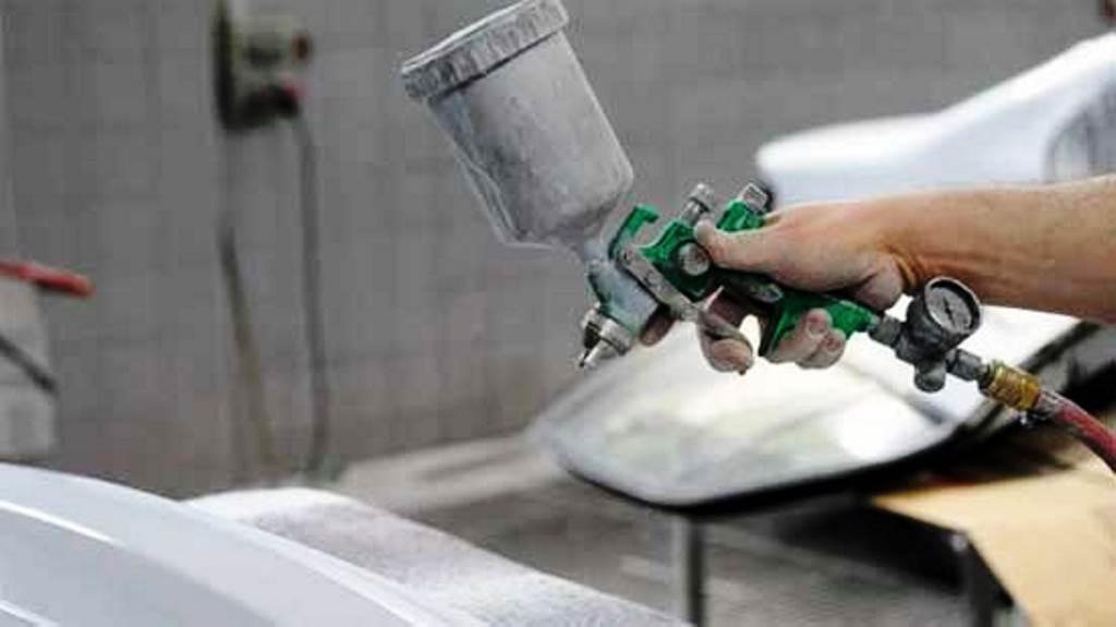 Виды устройства инструмента В первую очередь по принципу работы выделяют электрические краскопульты безвоздушного и воздушного типов