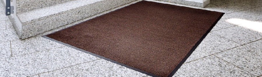 Сегодня продолжаем исследовать такую тему, как ковровые покрытия, используемые в различных общественных учреждениях и на этот раз поговорим о коврах для защиты от грязи в банке