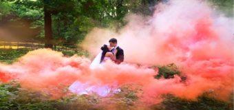 10 полезных советов тем, кто хочет получить свадебные фотографии с цветным дымом