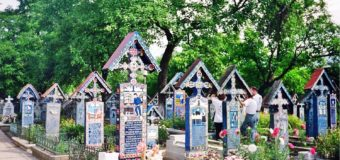 Внезапный ликбез: из чего делают ритуальные таблички на памятник