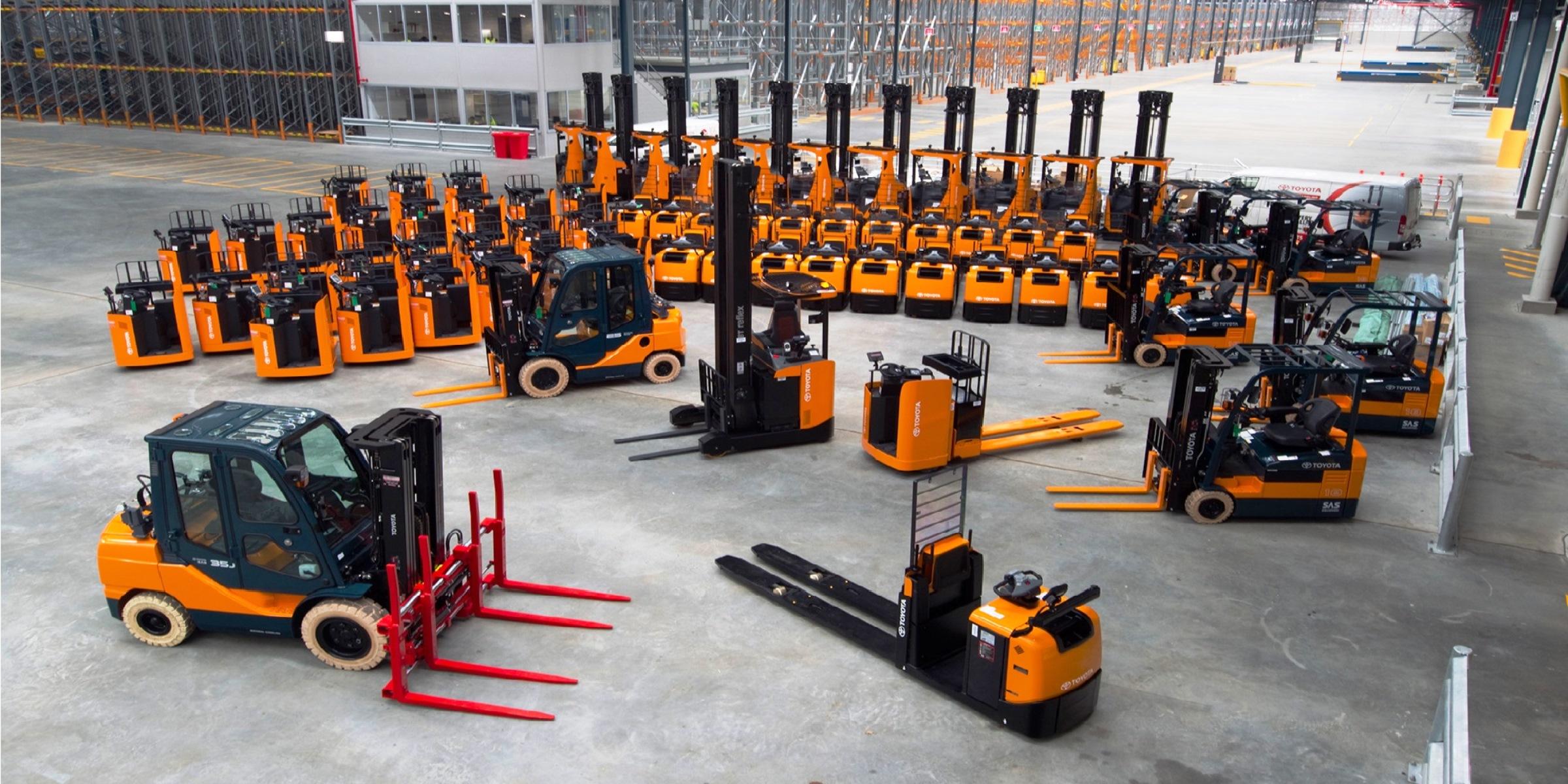 Сейчас будем говорить на такую тему, как техника для увеличения пропускной способности склада. Виды и особенности оборудования.