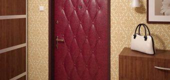 Как задекорировать металлическую дверь?