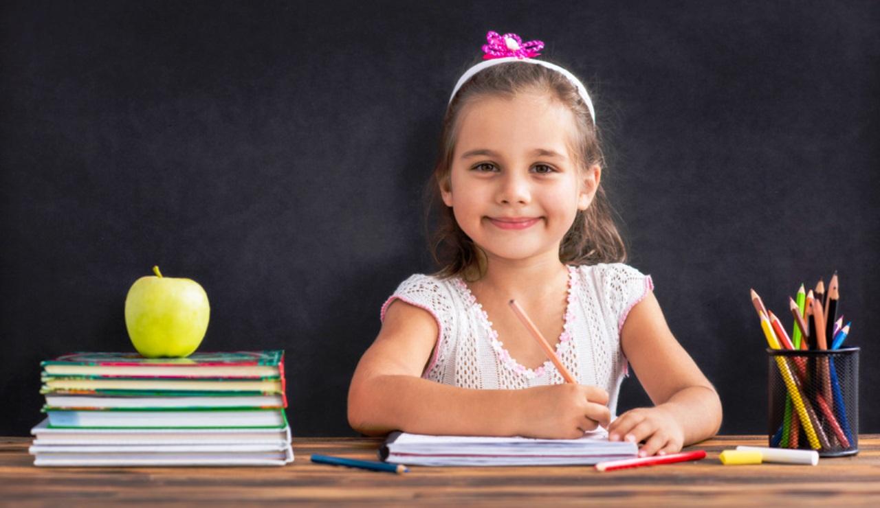 Польза и виды прописей для дошкольников - тема данного материала. Для обучения ребенка письму необходимы специальные обучающие программы и материалы.