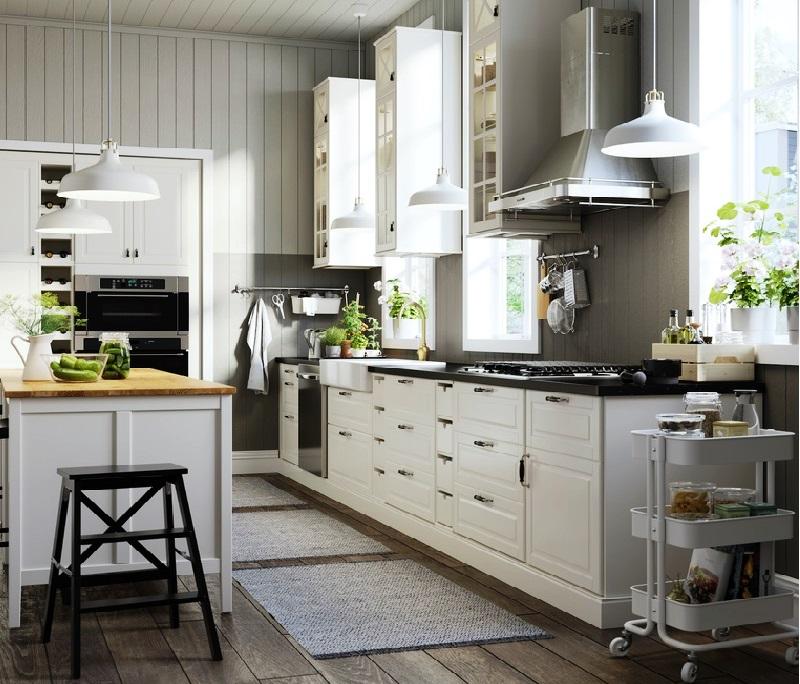 Дизайн кухни: насколько большой должна быть кухня, чтобы иметь удобный длинный центральный остров?