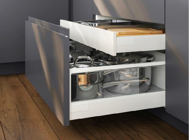 Дизайн кухни: как спрятать всю бытовую технику - хлебопечку, миксер и прочее, не имея кладовой?