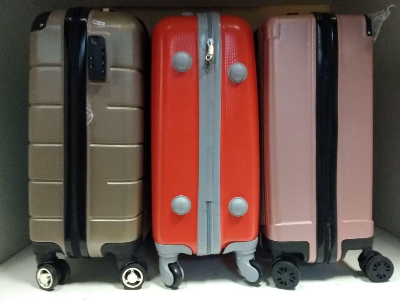 Твердые чемоданы из пластика поликарбонат АБС-пластик Топтревел Луида Аолард