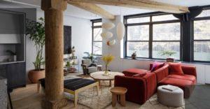 Сейчас изучимсвойства деревянной мебели. Спросили у экспертов о том, какие нюансы она содержит и как лучше выбрать подходящие варианты.